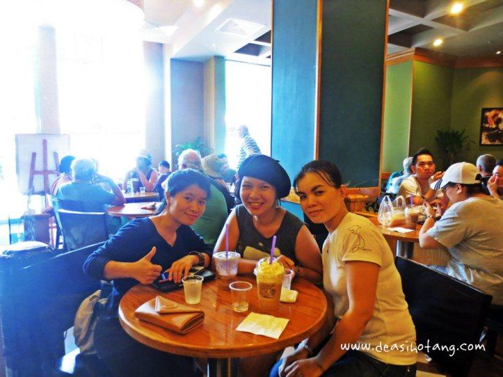 09-bersama-teman-teman-dari-vietnam
