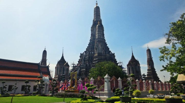 001-A Day Trip to Wat Arun and Wat Pho, Thailand-DeaSihotang