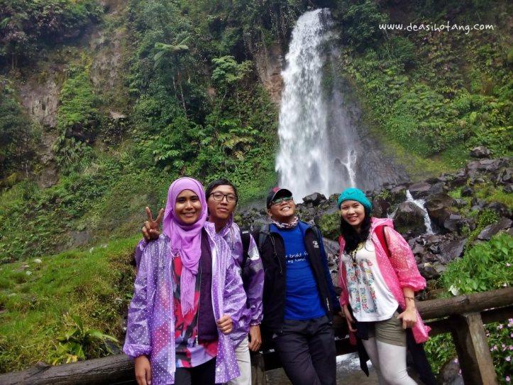 Cibeureum-Waterfalls-West-Java (12)