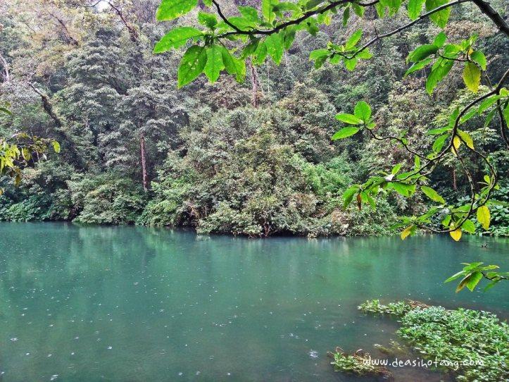 Cibeureum-Waterfalls-West-Java (8)