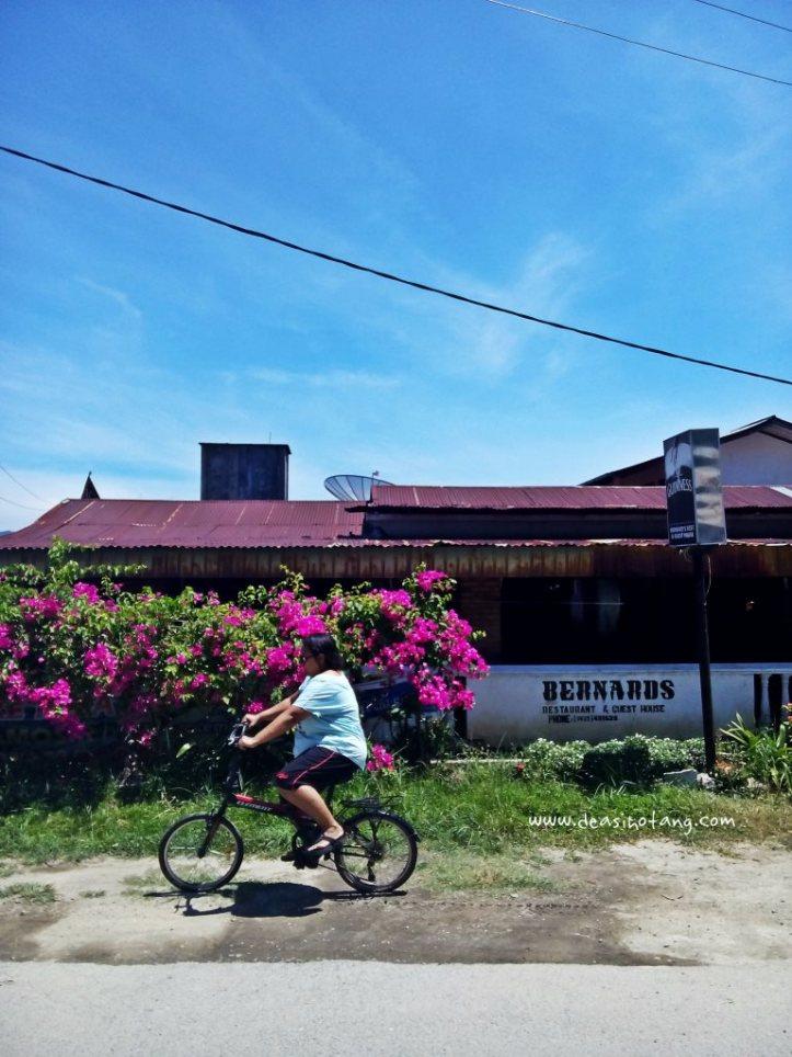 Cycling-Around-Tuktuk-North-Sumatra (19)