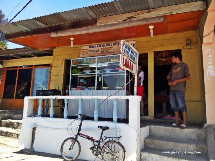 Cycling-Around-Tuktuk-North-Sumatra (20)