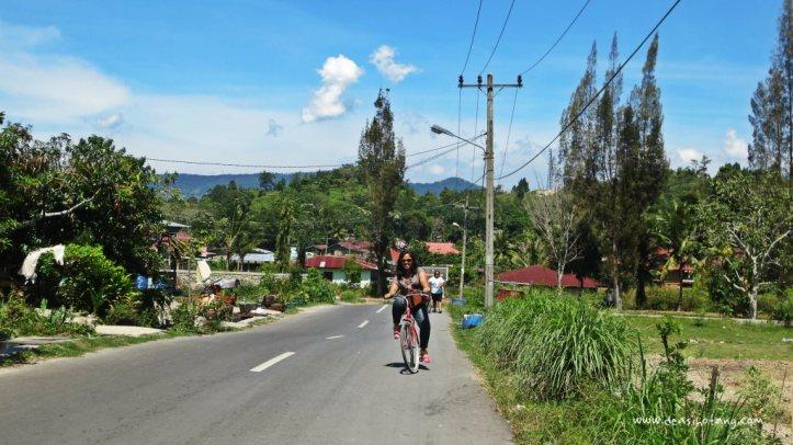 Cycling-Around-Tuktuk-North-Sumatra (6)