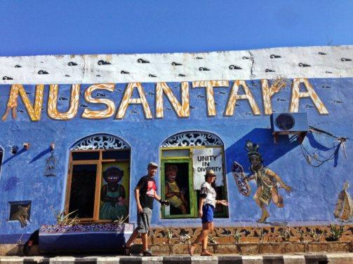 15 Hal yang bisa di lakukan saat Bewisata ke kota Kupang - Mural street art