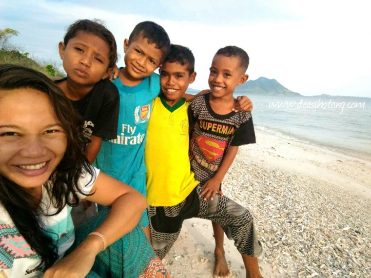 Wati-and-the-kids-of-kepa-alor (8)