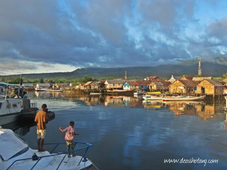 Wuring-a-Fisherman-Village-in-Sikka-Maumere (1)