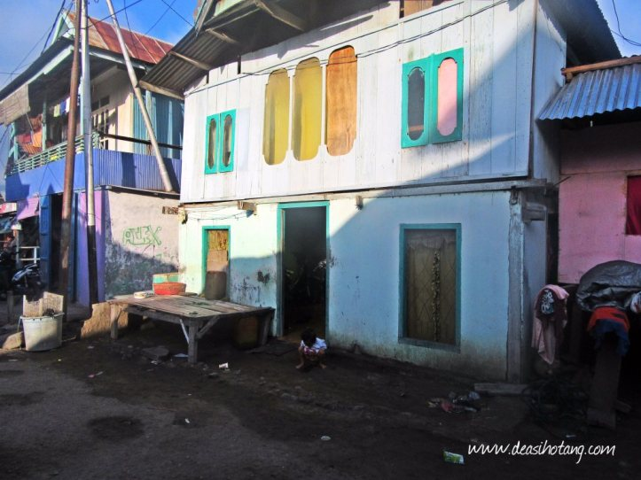 Wuring-a-Fisherman-Village-in-Sikka-Maumere (7)